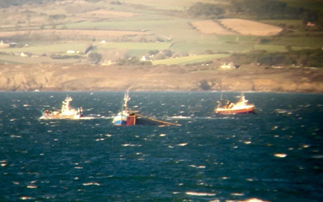 La vue panoramique sur la mer de tous les appartements de la Villa Glaz Ocean vous permet de voir les bateaux sortir et rentrer au port tous les jours. GlazOcean.com