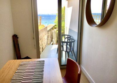 Le Beach House a un accès direct vers le jardin et la plage